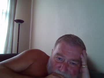 [15-10-21] louis_chokdee private show video from Chaturbate