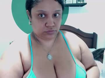 [29-10-20] millaroberts record video with toys from Chaturbate