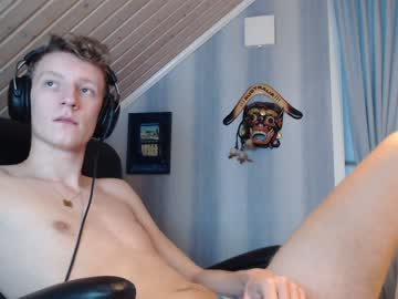 [05-01-20] danielthaone public show from Chaturbate.com