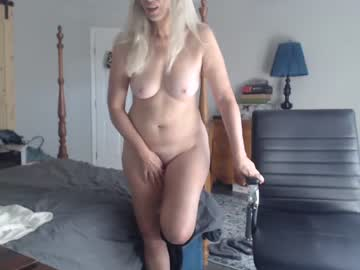 [03-12-20] sexyblondewife private