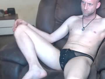 [09-05-21] mojo483 public webcam from Chaturbate
