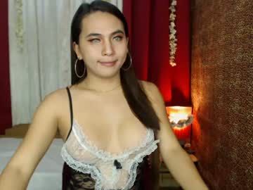 [24-10-20] goldbella_ show with toys from Chaturbate