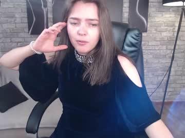 [05-10-21] ariel_floyd webcam