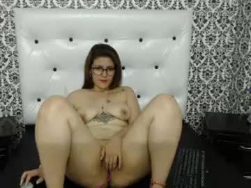 [13-10-18] lupitafox video with toys