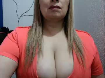 [08-08-18] judithsex233 record public show from Chaturbate