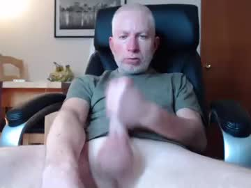 chris_schlongberg chaturbate